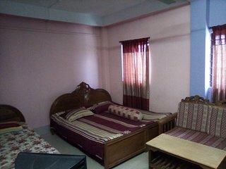 Dear traveler my house is a simple house .