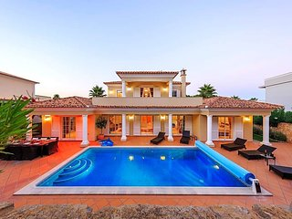 4 bedroom Villa in Quinta do Lago, Faro, Portugal : ref 5690430