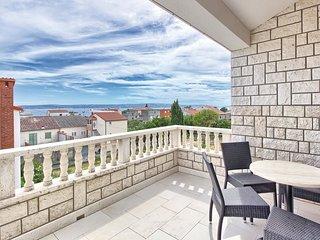 2 bedroom Apartment in Kastel Kambelovac, Splitsko-Dalmatinska Zupanija, Croatia