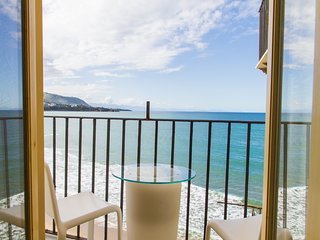 Balcone sul Mare is a charming studio directly overlooking the sea.