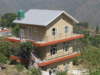Blue Mountain home with Nainital tour assistance