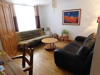 Fountainbridge · West End, Central 1 b/r, garden flat, nr Haymarket