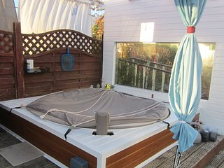 BARNA GALWAY HOT-TUB SUMMER LODGE near golf and sea