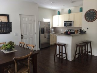 *April Special* at LV 4 Bed 3 Baths - 12-101