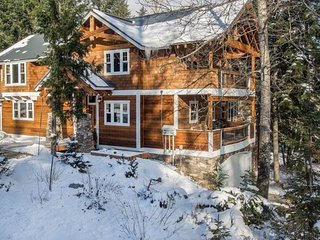 NEW LISTING! Family friendly home with gym, near ski slopes & more!