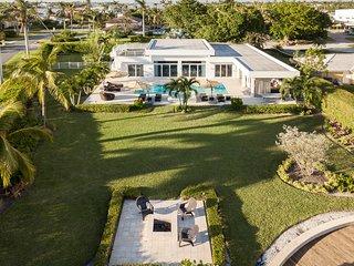 Naples - Royal Harbor / Waterfront Designer Villa