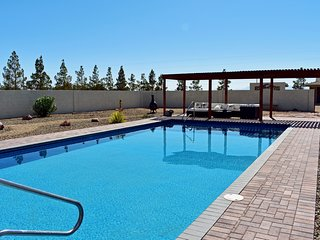 Spacious & Quiet Guest House w/ Oasis Pool, Horseshoes & Fire Pit