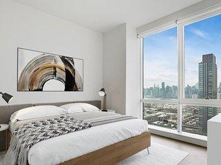 Amazing Manhattan NYC View Brand New High Rise Luxury Amenities