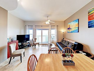 Walk to Galveston Beach! Spacious 3BR w/ Pool & Beachfront Views