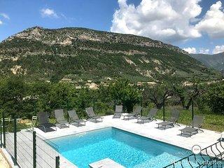 Mas de charme en Provence avec sa piscine chauffee