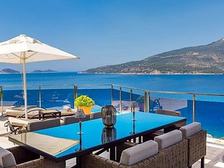 Kalkan Villa Sleeps 10 with Pool and Air Con - 5433443