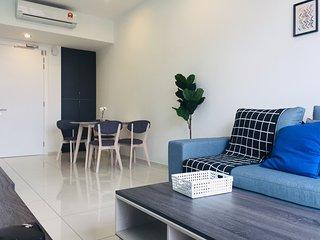 Cozy Room 500m to MRT/Golf/Roof Top Pool Bukit Bintang Pavillion KLCC Se