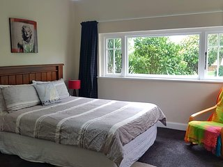 South Street Accom. 5min CBD. Free unlimited wifi. OSP.