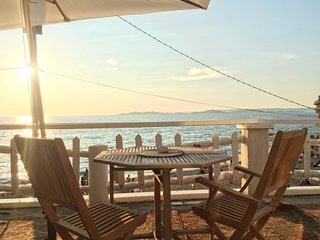 Cabanon sur la plage avec terrasse privative de 40 m2