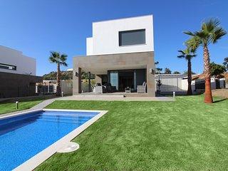 Splendide villa 4 chambres avec piscine privee a Manilva - Sotogrande