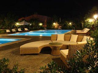 Ville dell'Eden, piscina adulti+piscina bimbi riscaldata, idromassaggio, 11 post