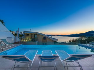 Villa Evian - Luxury Villa with a Pool by the Sea!!!