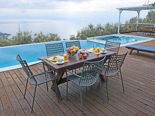 Villa,Panoramic view,private pool,garden,4-7person