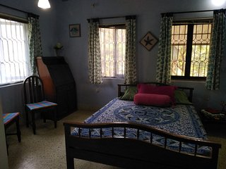 Spacious Bedroom (South Goa) less than 2km from beach.