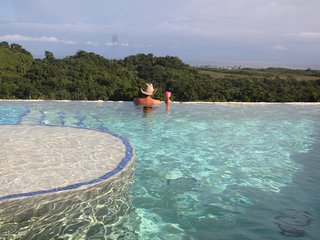 Monte Placido-K, Hilltop Ocean View, Infinity Pool,Near Beaches, YOGA