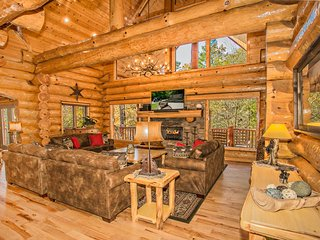 Huge Private Luxury Log Lodge On CREEK w Hot Tub, Arcade, Basketball, Fire Pit