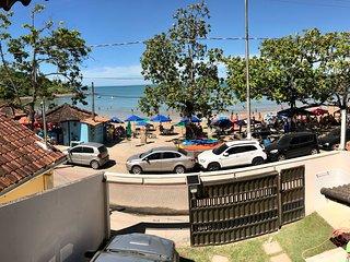 Ubú - Casa duplex de frente para praia 2 garagens