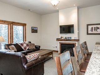 Sweet 4 Bedroom Whitefish Condo w/ Views