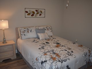 Completely Remodeled Fully Furnished Branson Condo with indoor/outdoor pool
