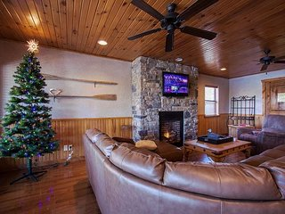 Lil Cedar on Table Rock-Spectacular 5 bedroom home located on Table Rock Lake