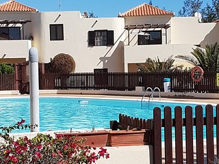 Beautiful 2 bedroom sea and pool view apartment with free WIFI