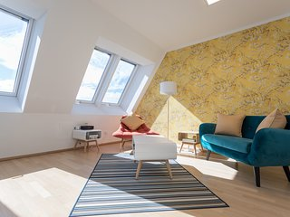 Karlskirche View Duplex Apartment close to State Opera and Metro Line #10of10