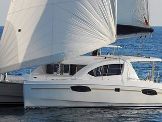 SPECIAL OFFER! Like New! Sailing Yacht & Other Boats