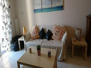 Sunny & homely 1 bedroom flat in a great location