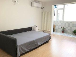 Morden Room In the heart of Beijing ,1 Min to Subway Line 6