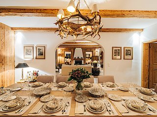 Chalet in Kitzbuhel  is a Family or Friends  Ski Fantasia