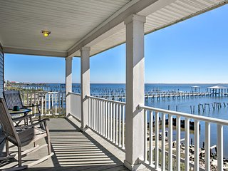 Waterfront New Orleans Home w/Private Dock