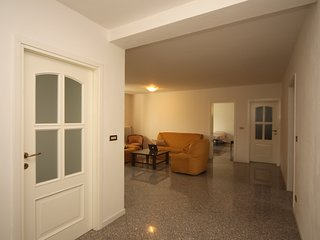 3 Bedroom Home with Whirlpool - Just in Case Bologna