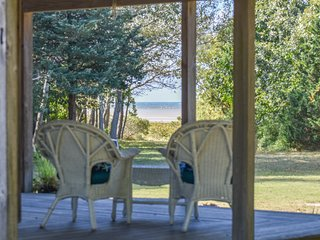 #519: Private beach access, Screened in dining, Wrap around porch!