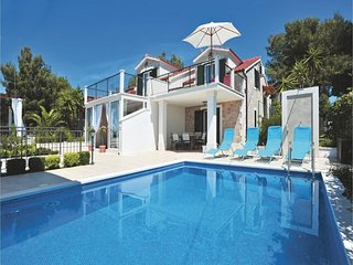 Villa Milna - 16 people - heated pool & sea view