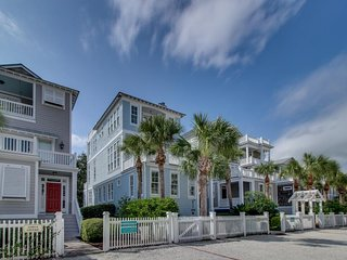 NEW LISTING! Updated cottage w/rooftop beach view, community pool & fireplace