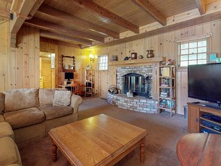 NEW LISTING! Warm & welcoming mountain chalet w/fireplaces & private hot tub