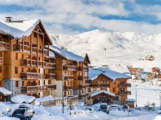Vos vacances de ski ! Appartement au bord des pistes avec accès Bains à Remous