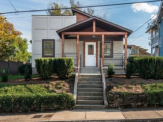 919A Jackson St · 30 day+ Close to All Things Downtown - 5 Stars