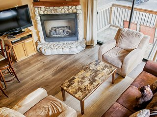 'Clouds Rest' Located In Yosemite West - Sleeps 6!!!