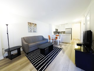Stay in an Elegant Condo near to Square 1 Playdium