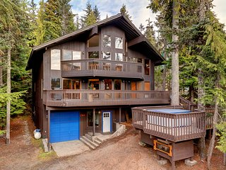 'Great Blue Lodge' Government Camp Home w/Hot Tub!