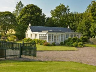 Lark Cottage - Tranquil & Luxurious Holiday Home Near Dundee, Scotland
