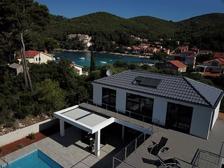 Charming seaside villa at Prizba, Korcula