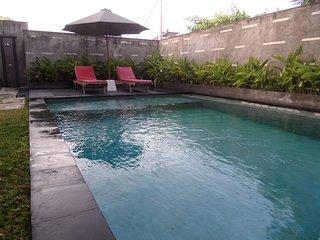 Kubu Jimbar - Villa and Apartment