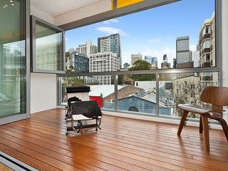 New York on Riley - Split-Level Executive 2BR Darlinghurst Apartment with a New